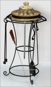 Подставка кованая для крышки тандыра с набором аксессуаров