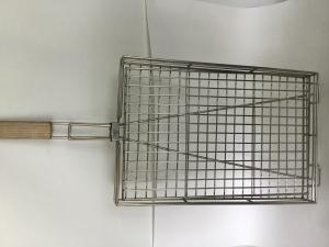 Решетка гриль 30*45 см с деревянной ручкой